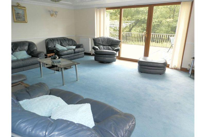 Lounge Before Flood