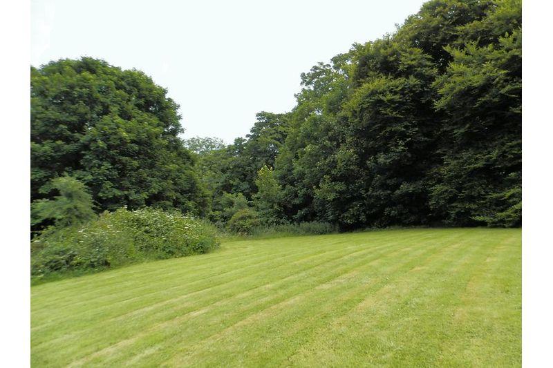 Lawned Gardens