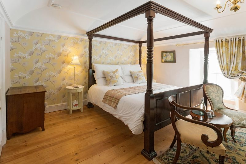 Glandwr Bedroom 1