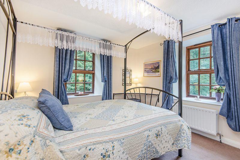 Carders Corner Bedroom 2