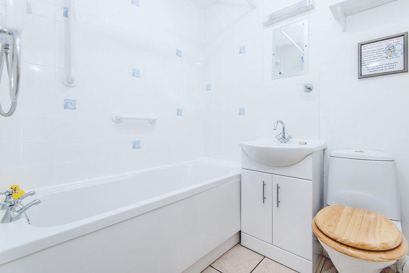 Bobbin Box Bathroom