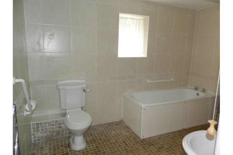 Berry Bathroom