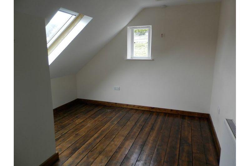 Rose - Bedroom 1