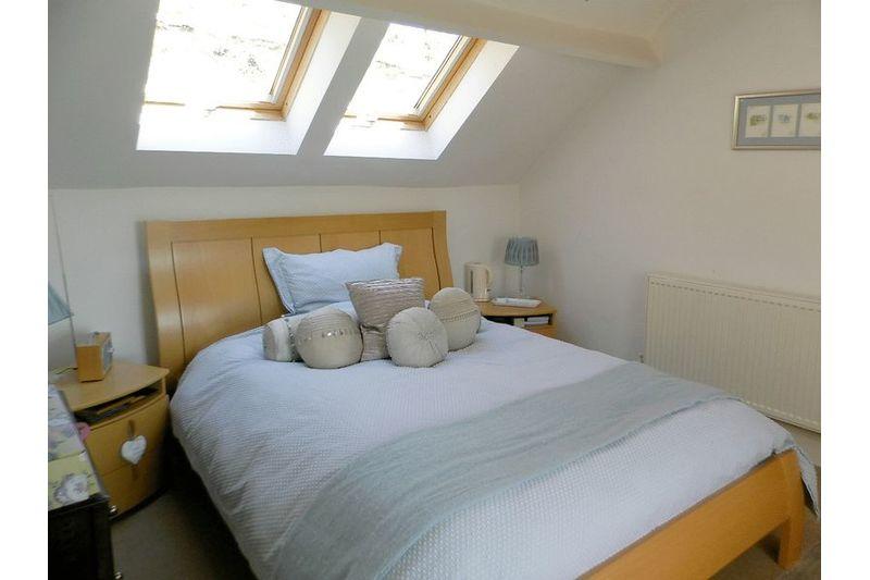 Master Bedroom (En Suite)