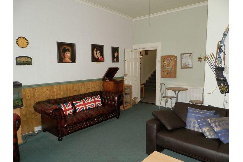 Guest Lounge Bedroom 6
