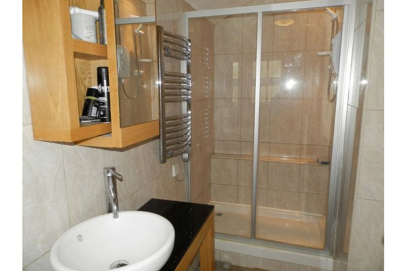 Master Ensuite Other View