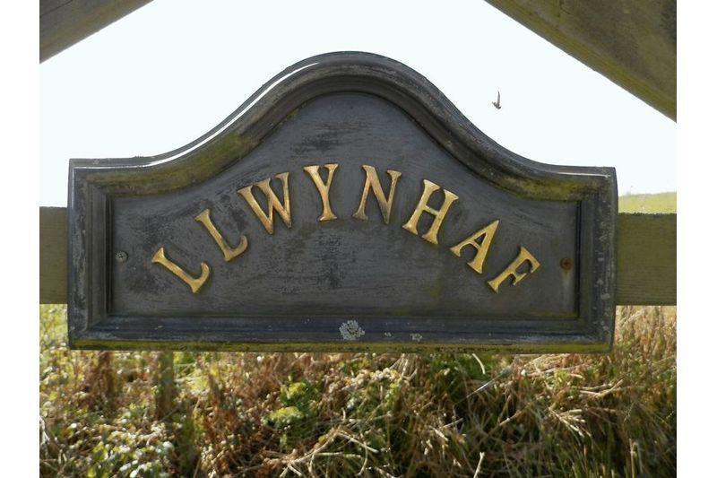 Llwynhaf Plaque